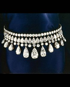 Alexandre Reza - The House : History and Choker with 115cts of D Internally pure Flawless diamonds
