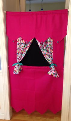 Pink+Felt+Doorway+Puppet+Theatre+Ready+to+Ship+by+melaniebaron Fun Projects For Kids, Art For Kids, Crafts For Girls, Crafts To Make, Card Table Playhouse, Felt Puppets, Preschool Art Activities, Sewing For Kids, Handmade Toys