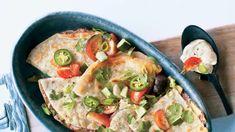 Quesadillas de la muerte Quesadillas, Pizza Legume, Empanadas, Cheddar, Vegetable Pizza, Quiche, Chicken, Vegetables, Breakfast