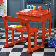 Recordas este escritorio?? Si tenes uno ... abandonado, reciclalo y pintalo con #Aerosoles05ColorPlus