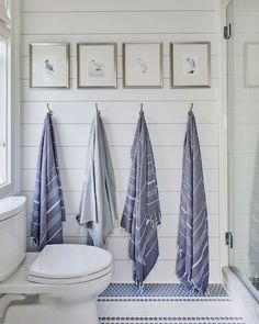 Bunk Room Bath from the Southern Living 2019 Idea House with Robe hooks and bath hardware by Emtek 59 Best Solution Small Apartment Living Room Decor Ideas Beach House Bathroom, Beach House Decor, White Bathroom, Beach House Furniture, Bathroom Hooks, Beach Condo, Beach Bath, Washroom, Coastal Cottage