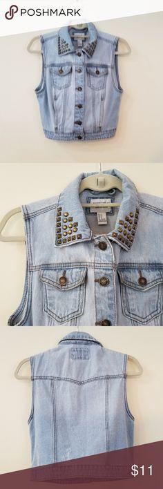 NWOT Jean Vest w/ Gold Studded Collar, Medium Light denim vest from Forever 21, never worn. Size medium. Forever 21 Jackets & Coats Vests