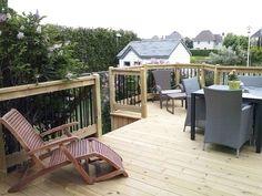 Patio et chaise longue Deck, Outdoor Decor, Home Decor, Courtyards, Chaise Longue, Homemade Home Decor, Front Porches, Decks, Decoration Home