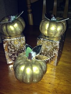 "nothing screams ""Vintage"" like golden pumpkins...lol...it'll work ;)"