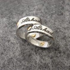 www.alskadebarn.se - Smider och graverar på beställning, unika #förlovningsringar och #vigselringar i silver och guld. Egen gravyrverkstad. Personalized Jewelry, Silver Rings, Ring Finger, Personalised Jewellery, Custom Jewelry