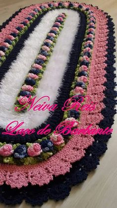 Crochet Doily Patterns, Crochet Designs, Crochet Doilies, Crochet Flowers, Knitting Patterns, Knit Crochet, Crochet Table Mat, Diy And Crafts, Arts And Crafts