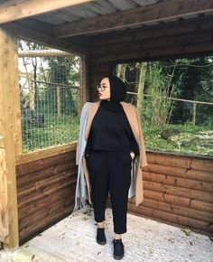 Hijab Fashion Summer, Modern Hijab Fashion, Street Hijab Fashion, Hijab Fashion Inspiration, Muslim Fashion, Fat Girl Outfits, Curvy Outfits, Fashion Outfits, Fat Girl Fashion