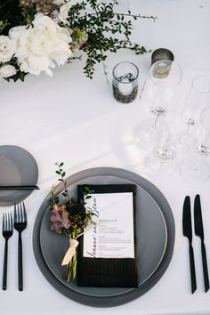 Gray, black, and merlot wedding inspiration wedding place settings Glam Black, White and Gray Place Settings Wedding Plates, Wedding Menu, Black Tablecloth Wedding, White Tablecloth, Wedding Foods, Wedding Cupcakes, Wedding Catering, Wedding Card, Wedding Planning