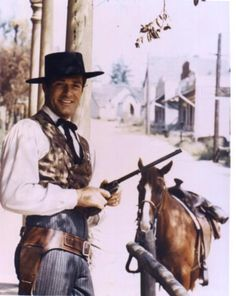 Hugh O'Brien-The Life and Legend of Wyatt Earp Old Western Movies, Western Film, Western Cowboy, Hugh O'brian, Wyatt Earp, Tv Westerns, American Legend, Lone Ranger, Old Tv