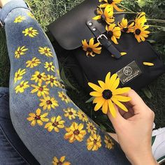 25 + › Went on a little adventure with the perfect little swedish backpack from Gaston … - diy kleidung - Diy & Crafts Kleidung Design, Diy Kleidung, Painted Jeans, Painted Clothes, Diy Clothes Paint, Painted Shorts, Diy Clothing, Custom Clothes, Clothes Crafts