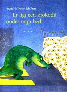 Als Lotje haar slaapkamer binnenkomt, ziet ze een krokodil onder haar bed. Meteen smijt ze de kamerdeur dicht. Zij is niet bang! Karel, de krokodil, wel. Die probeert zich bovenop de kast te verschuil