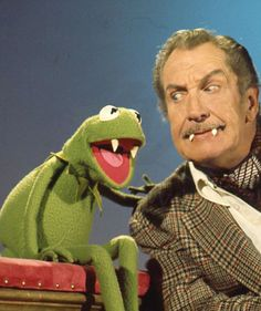 Back in October when Vincent Price was a guest star on an episode of The Muppet Show, we discovered that Vincent and Kermit share an awesome vampiric talent. Kermit the Frog. Jim Henson, Cinema Video, Cinema Tv, Memes Humor, Stanley Kubrick, Dramas, Die Muppets, Fraggle Rock, The Muppet Show