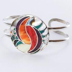 CONFIANZA Enamel Jewelry, Jewellery, Silver Earrings, Cuff Bracelets, Diy And Crafts, Gemstone Rings, Gemstones, Oxidized Silver, Enamels