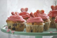 Strawberry-White chocolate- cupcakes