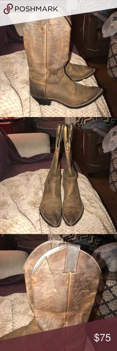 Lightly used Justin cowboy boots Lightly used with one slight imperfection on left boot Justin boots real leather Justin Boots Shoes Heeled Boots