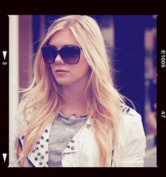 The Girls of Bling Ring love their Personalized Jewelry! Claire Julien as her character Chloe wearing a name necklace. Engraved Necklace, Personalized Necklace, Name Necklace, The Bling Ring, Celebs, Celebrities, Cat Eye Sunglasses, Supermodels, Nice Dresses