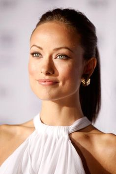 Ever since someone at my grrrrl Kristin's wedding told me I have resemblances to Olivia Wilde - I've been intrigued. She is gorgeous! Wish I could look have as good!