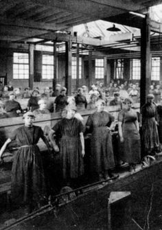 Wonderful buffer girls My Family History, Women's History, Local History, Sources Of Iron, Child Labour, Sheffield England, Hunting Knives, Revolutions, South Yorkshire