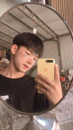 Cute Korean Boys, Asian Boys, Ulzzang, Cute Boys Images, Boy Photos, Story Highlights, Handsome Boys, Vietnam, How To Look Better