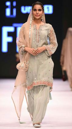 Kayseria, Fashion Pakistan Week, only look at dress not at face Pakistani Dresses, Indian Dresses, Indian Outfits, Pakistani Couture, Indian Sarees, Pakistan Fashion, Desi Clothes, Indian Designer Wear, Indian Wear