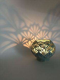 Terrific Absolutely Free Pottery Designs carving Ideas Hand Carved Ceramic Lamp by Quigley Ceramics Ceramic Lantern, Ceramic Candle Holders, Ceramic Light, Ceramic Lamps, Ceramic Table, Raku Pottery, Pottery Art, Diy Abat Jour, Cerámica Ideas