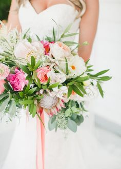 blush and hot pink bouquet