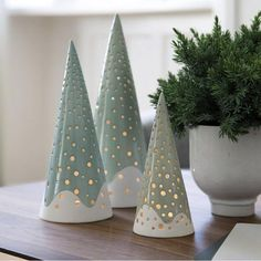 Vi elsker de fine juletræer fra Kahler?  Hvad synes i? #kahler #boligmagasinetdk #christmas2015 @kahlerdesign