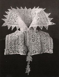 1610--Italian sharp point lace collar
