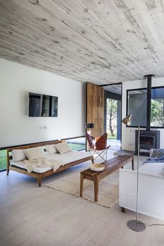 Image 3 of 25 from gallery of L House / Estudio PKa. Living Room Lounge, Living Area, Beach Houses For Sale, Black And White Interior, Interior Decorating, Interior Design, My Dream Home, Interior Inspiration, Modern Farmhouse