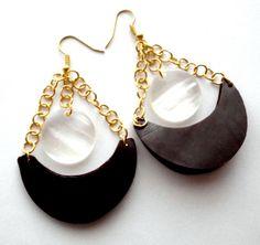 Chandelier earrings in dark red & white