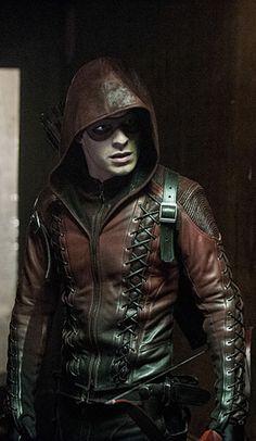 Arrow 3x11 - Midnight City - Roy Harper (Arsenal) - - - Finally! A good photo of that costume.