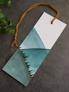 Creative Bookmarks, Cute Bookmarks, Bookmark Craft, Paper Bookmarks, Watercolor Bookmarks, Watercolor Cards, Book Markers, Art Drawings Sketches, Diy Art