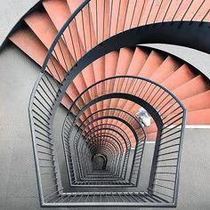 Difficult roads often lead to beautiful destinations #interiordesign #interiordesignideas #blog #lawson_robb @lawson_robb #stairs #peach #details #structure #geometric #sustainableharmony #exoskeletal #thedigitalmodernist #finish #textures #homedecor #vogueliving #elledecor #seashells #design #architecture #interiors #londondesign
