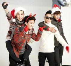 Big Bang in festive Christmas attire