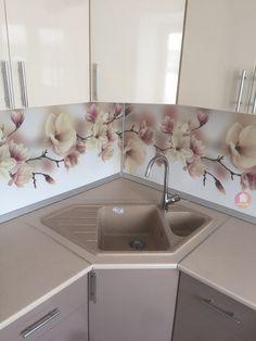 Kitchen Layout Plans, Kitchen Pantry Design, Luxury Kitchen Design, Interior Design Kitchen, Kitchen Decor, Small Modern Kitchens, Sewing Room Design, Small Apartment Kitchen, Küchen Design