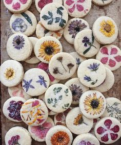 Stunning Shortbread Cookies pressed w/ edible flowers by @loriastern, by @jessicamenda Get the #recipe & 50+ more Shortbread recipes…