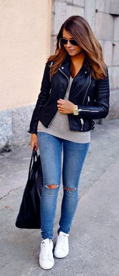 Amazing cute fall outfit ideas that anyone can wear teen girls or women. The ultimate fall fashion guide for high school or college. Comfy casual outfit with jeans, sneakers and a leather jacket