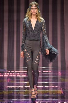 Atelier Versace Fall 2015 Couture - Collection - Gallery - Style.com.  Model: Sasha Pivovarova