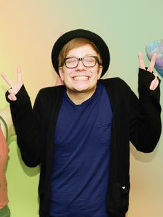 Yes this is the lead singer of Fall Out boy. XD PATRICK STUMP!!!!! ❤❤