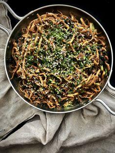 Oreo, Vegan Mac And Cheese, Japchae, Meat, Ethnic Recipes, Food, Recipe Ideas, Flourless Chocolate Cakes, Top Recipes