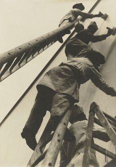Gertrud Arndt. 'At the Masters' Houses' (An den Meisterhäusern) 1929-30