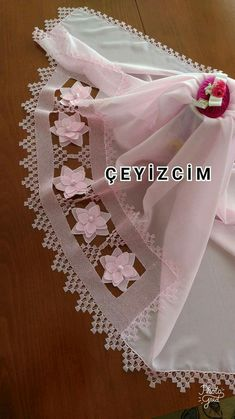 This Pin was discovered by Ser Seed Bead Tutorials, Beading Tutorials, Needle Tatting, Needle Lace, Crewel Embroidery, Ribbon Embroidery, Diy Lace Ribbon Flowers, Embroidered Lace Fabric, Bargello
