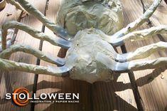 2008spiderproject-14 Evie Halloween, Creepy Halloween Props, Halloween Spider, Halloween 2020, Halloween Ideas, Spider Decorations, Halloween Decorations, Pirate Party, Crafts To Do