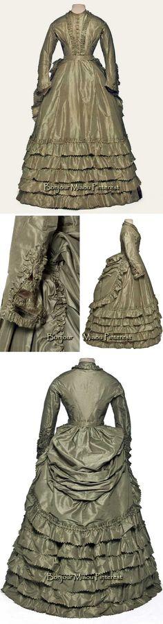 Dress, French, ca. 1870–75. Green silk taffeta. Photos: Jean Tholance. Les Arts Décoratifs