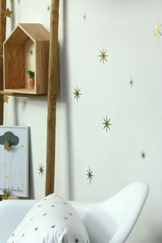 Star-painted wall www.macaisseajouets.com