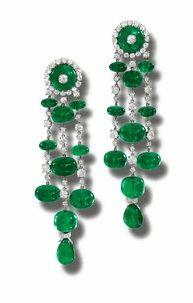 Emerald & Diamond Pendant Earrings Gemstone Jewelry, Gold Jewelry, Jewlery, Fine Jewelry, Emerald Earrings, Pendant Earrings, Emerald Diamond, Emerald Green, Titanic Jewelry