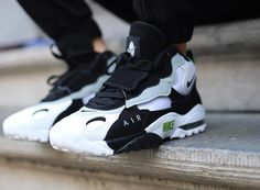 Que vaut la Nike Air Max Speed Turf 2018 Chlorophyll Wolf Grey ? Buy Nike Shoes, Nike Air Shoes, Air Max Sneakers, Sneakers Nike, Kd Shoes, Nike Socks, Shoes Men, Running Shoes, Urbane Mode