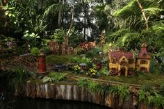 The Holiday Train Show at the New York Botanical Garden, Day 1 | Fine Gardening