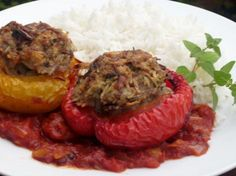 Gefüllte Paprikaschoten mit Hackfleisch und Reis #Rezept #Kochen