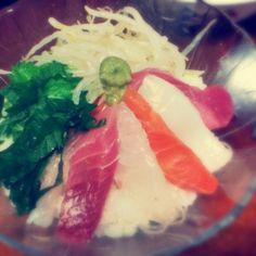 鮪、鯛、サーモン、イカ、海老、トロ! - 2件のもぐもぐ - 海鮮丼! by so3kc1022